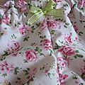 Culotte BIANCA en coton fleuri rose sur fond écru - noeud de vichy vert printemps (1)