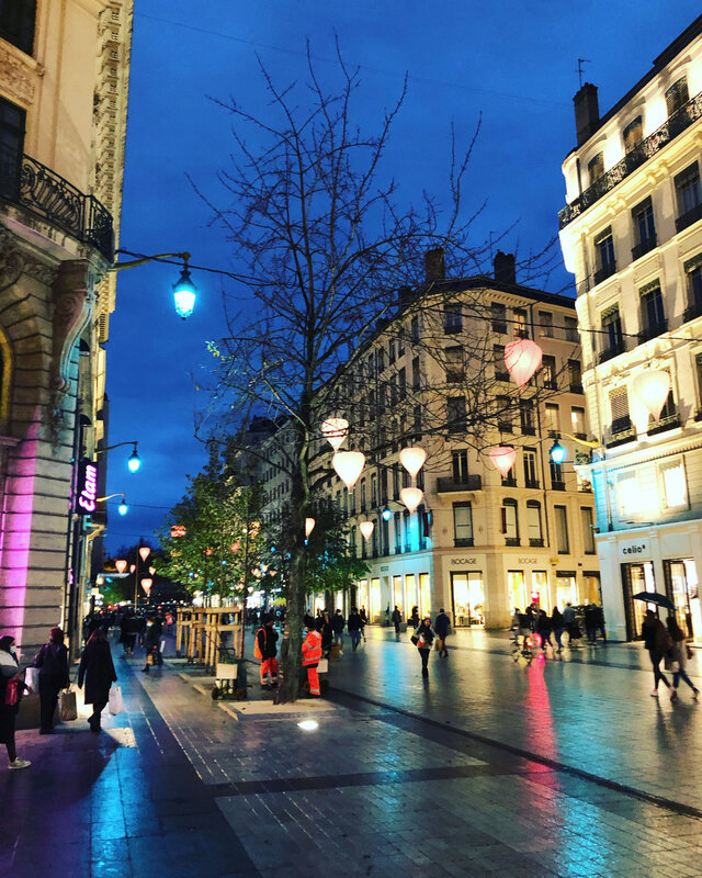 lyon-shopping-city-ma-rue-bric-a-brac