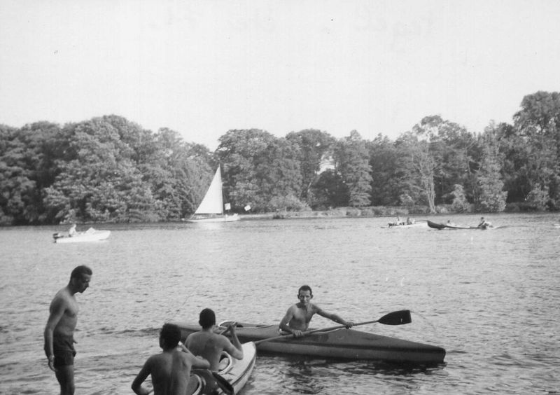 Détente Au lac de Tegel Eté 1971 (Photo R. Vitte)