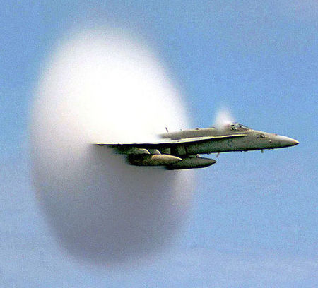 800px_FA_18_Hornet_breaking_sound_barrier__7_July_1999_