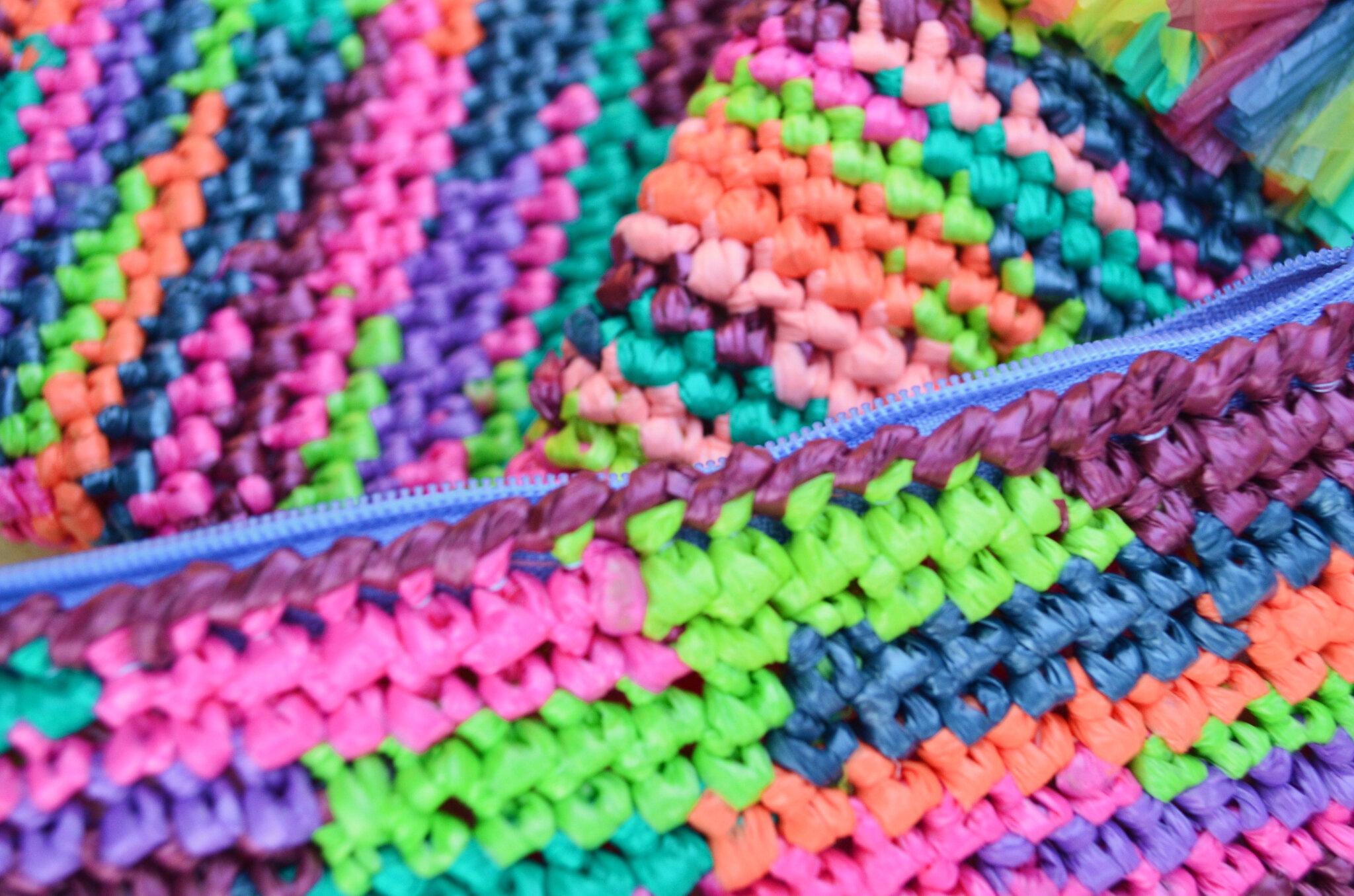 Super Trousse en sacs plastique(s) recyclés-crochet-récup-recyclage- DIY @SS_12