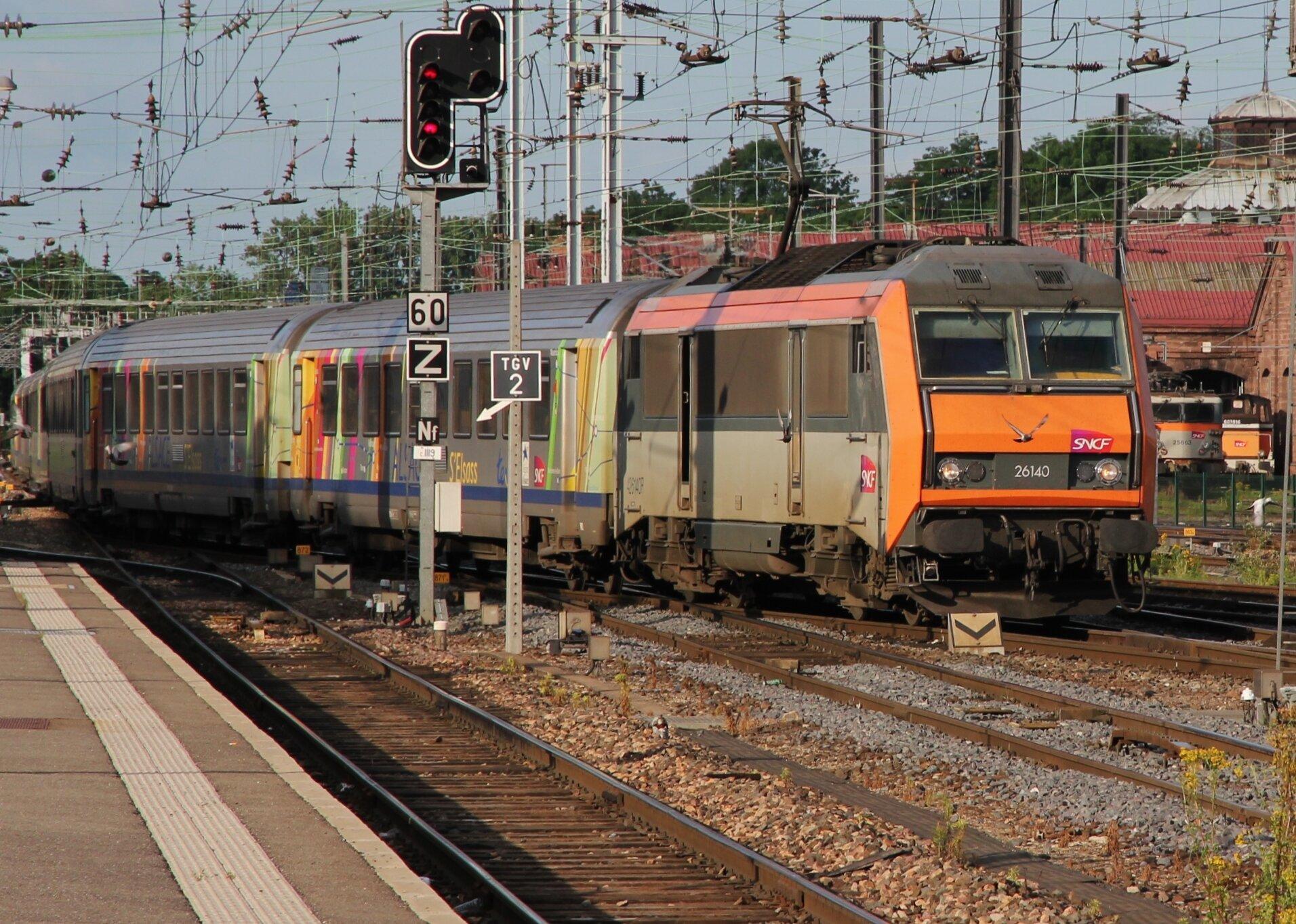BB 26140, TER 200 Alsace arrivant à Strasbourg