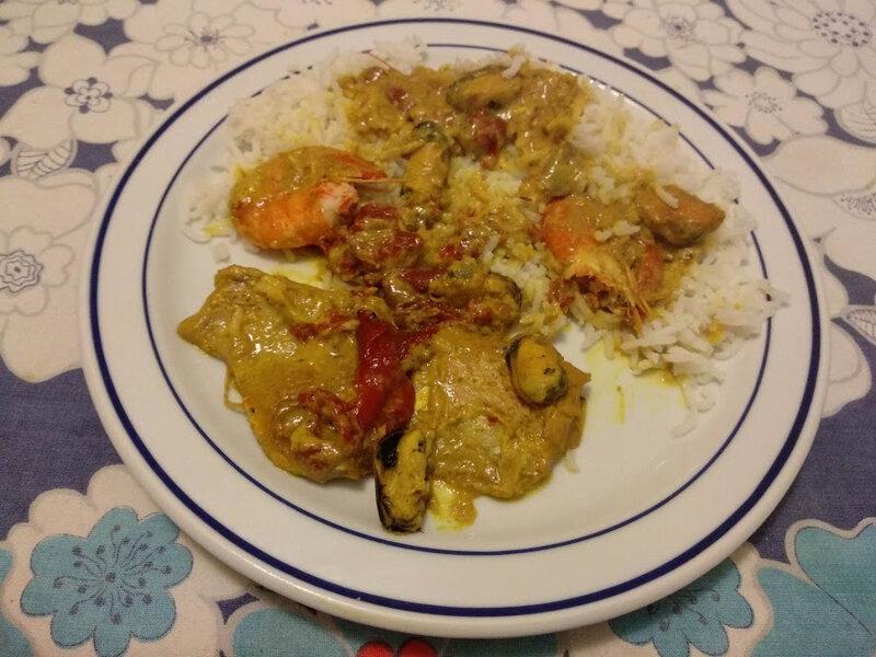 Filets de morue mijotés au curry et au lait de coco