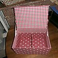 intérieur boîte rose à pois, à partir de 50€, sur demande