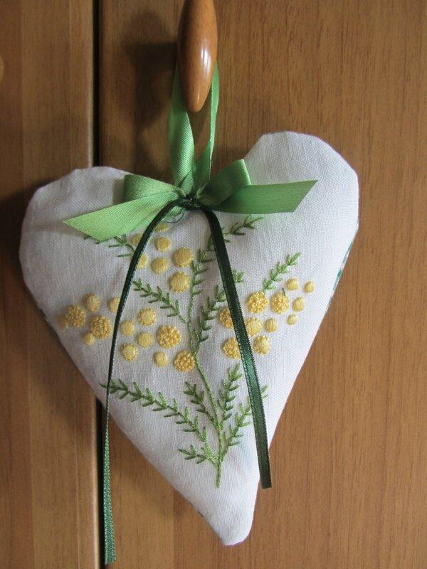 il cuore con la mimosa