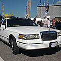 Lincoln towncar 4door sedan