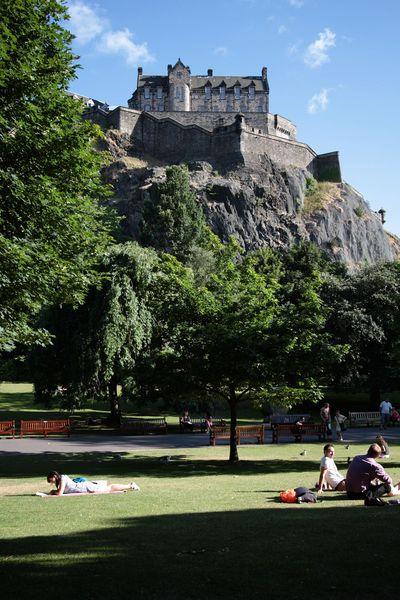 Chateau_depuis_parc