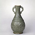 Yaozhou bottle vase, Song dynasty (960-1127), Collection of the Palace Museum © Palace Museum, Beijing