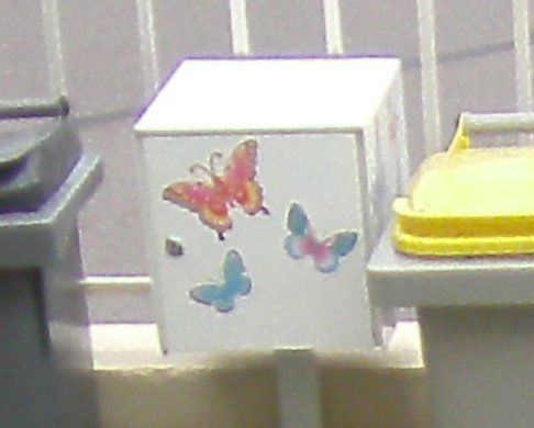 poubelle papillon