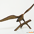 Décoration ... aigle sur sa branche *