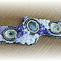 Bracelet brodé