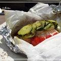 Papillote saumon, courgettes, tomates et pommes de terre nouvelles