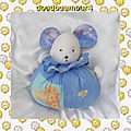 Doudou peluche souris boule musical blanc bleu fleur atelier imagine