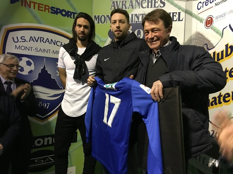 Franck Nivard maillot football US Avranches réception février 2017