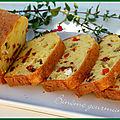 Cake au fromage, olives et tomates séchées