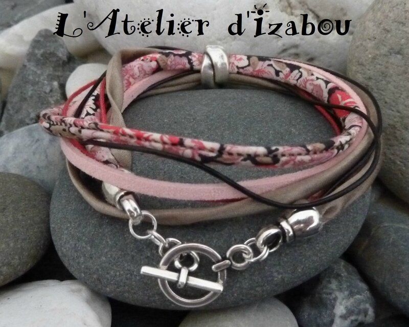 P1140479 Bracelet multimatières double tour liberty, satin, daim, cuir, coton ciré tons beige, rose, noir