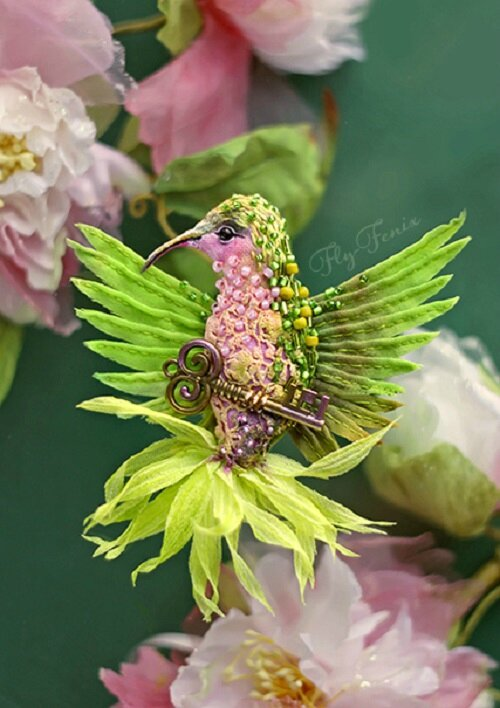 Brooch-Green-Bird-with-a-key
