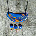 Collier ethnik graphik bleu et orange (15)