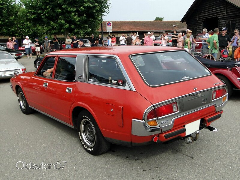 toyota crown 2600 custom wagon 1973 1974 b