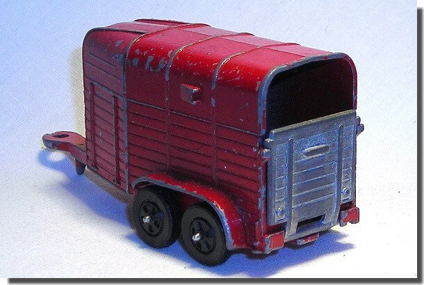 Corgi Rice Horsebox rouge (2)