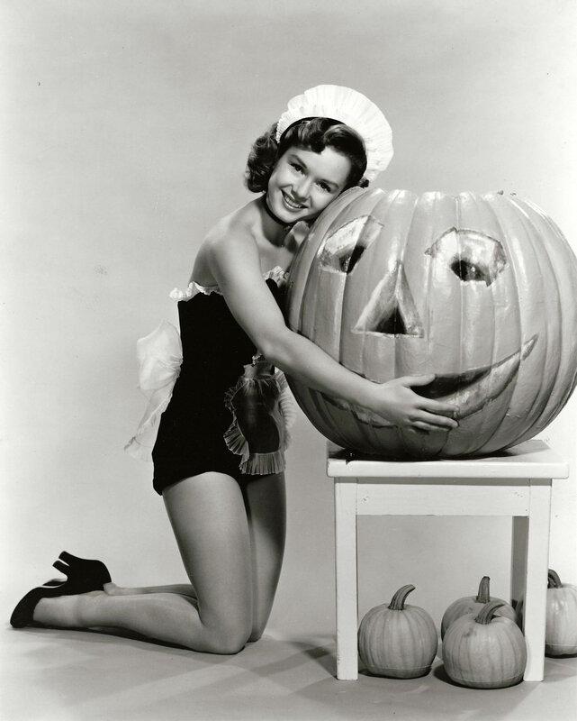 mm_friend-halloween-debbie_reynolds-1950s