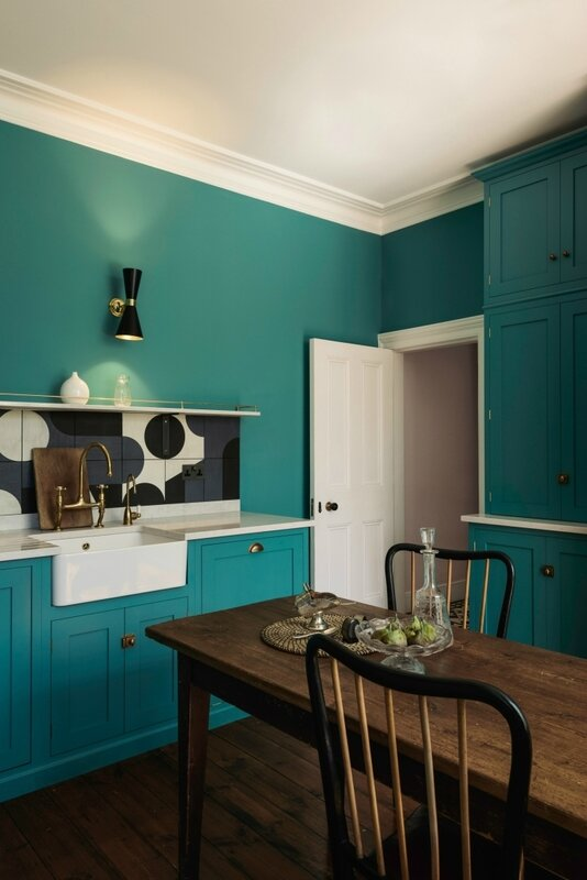 devol-shaker-london-kitchen-owl-design-barber-osgerby-tiles-2-733x1098