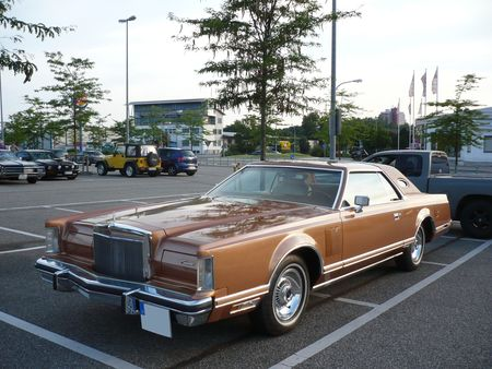 LINCOLN_Continental_Mark_V_2door_hardtop_coup__1977_Offenbourg__1_