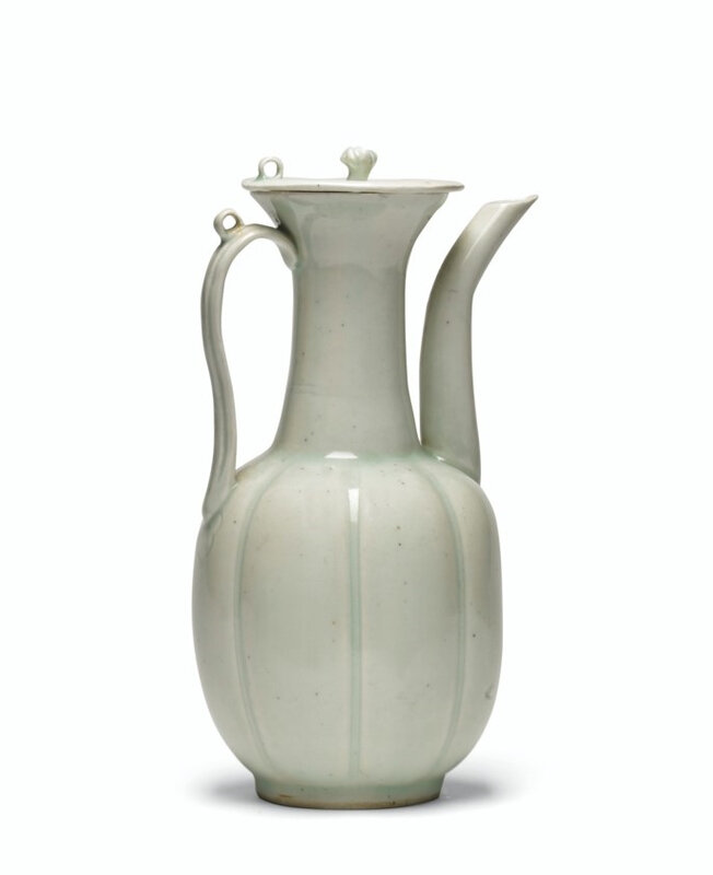 A Qingbai ewer and cover, Song dynasty (960-1127)