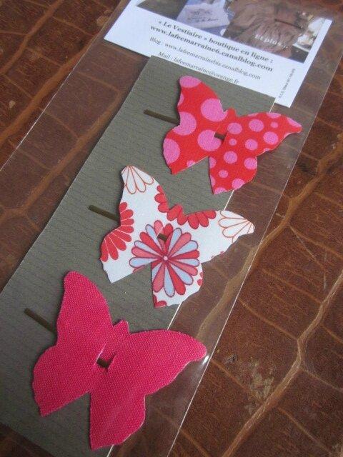 Carte de 3 pinces à cheveux papillon dont 1 en lin fuhia 1 en Liberty rouge et 1 rouge à fleurettes blanches