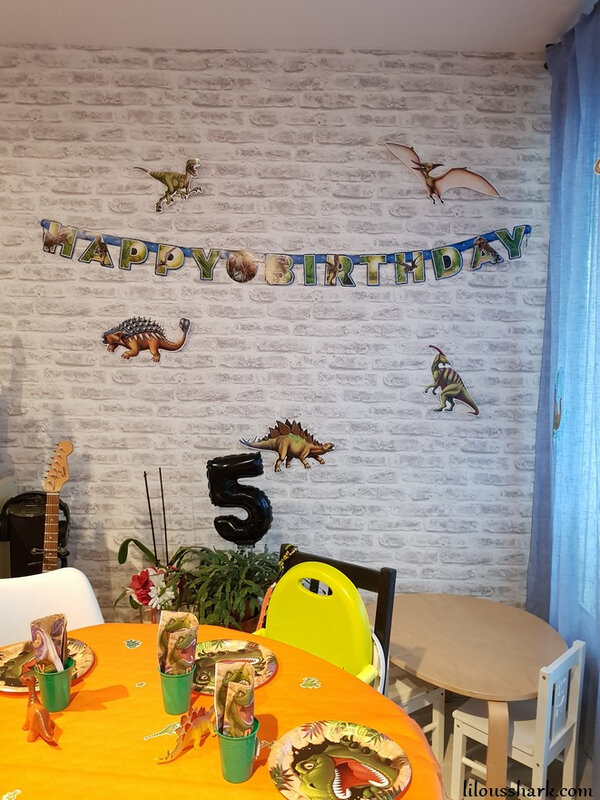 anniversaire dinosaure decoration vegaoo party
