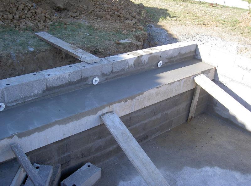 banquette escalier d 39 angle construction de notre rectangle bleu de a z. Black Bedroom Furniture Sets. Home Design Ideas