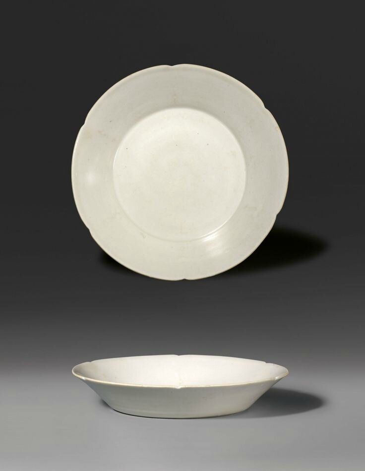 A dish with lobed rim, Northern Song Dynasty (A