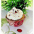 Cupcake champignons ail persil, tomates séchées fourrés chèvre frais, topping chèvre miel.......