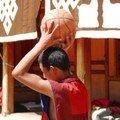 Moine qui joue au basket