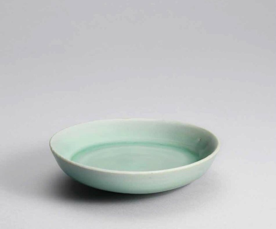 A small Longquan celadon shallow dish, Southern Song dynasty (1127-1279)
