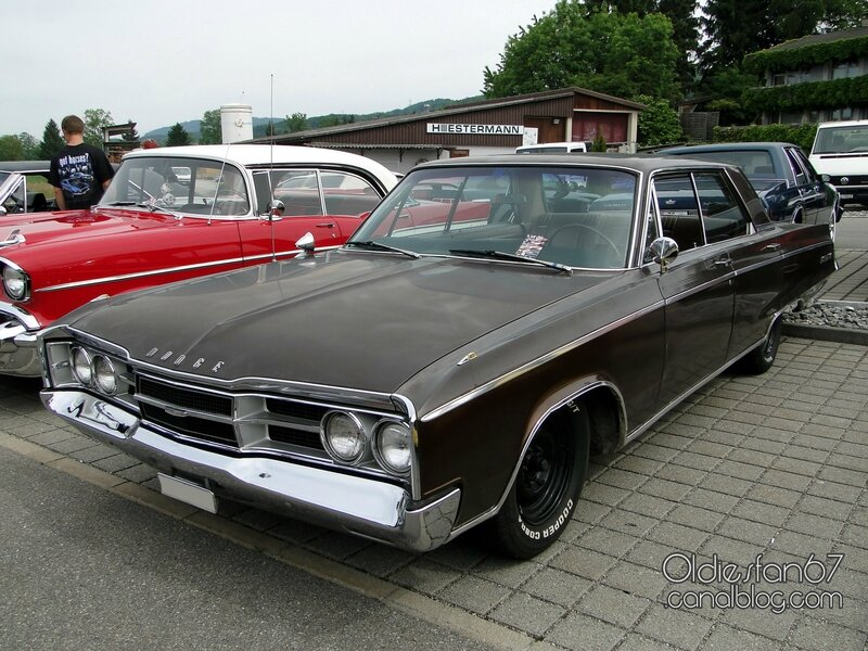 dodge-monaco-hardtop-sedan-1967-1