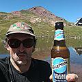 Jénorme se boit une bière au lac d'Arlet (64)