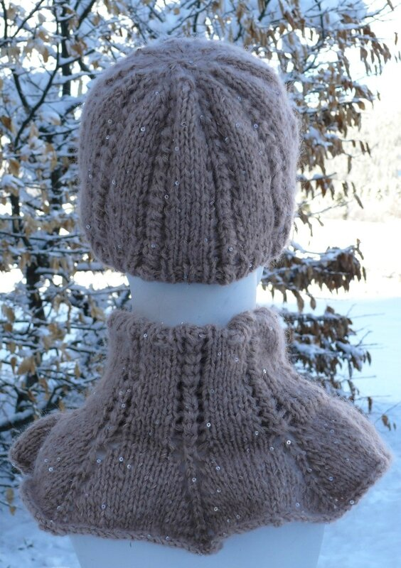 Bonnet et col gemma de dos