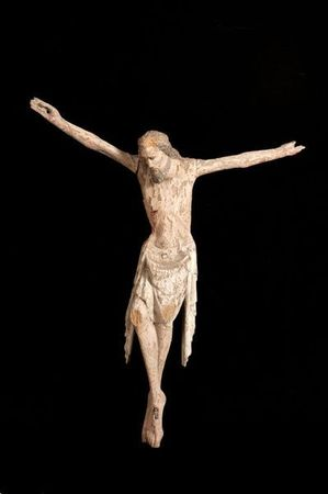 grand_christ_en_chene_sculpte_et_polychrome_130588307753931