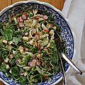 Salade croquante de pourpier d'hiver, radis rose et pomme rouge, sauce amande-citron