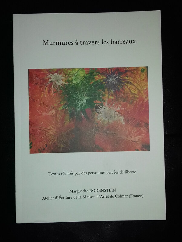 Murmures à travers les barreaux