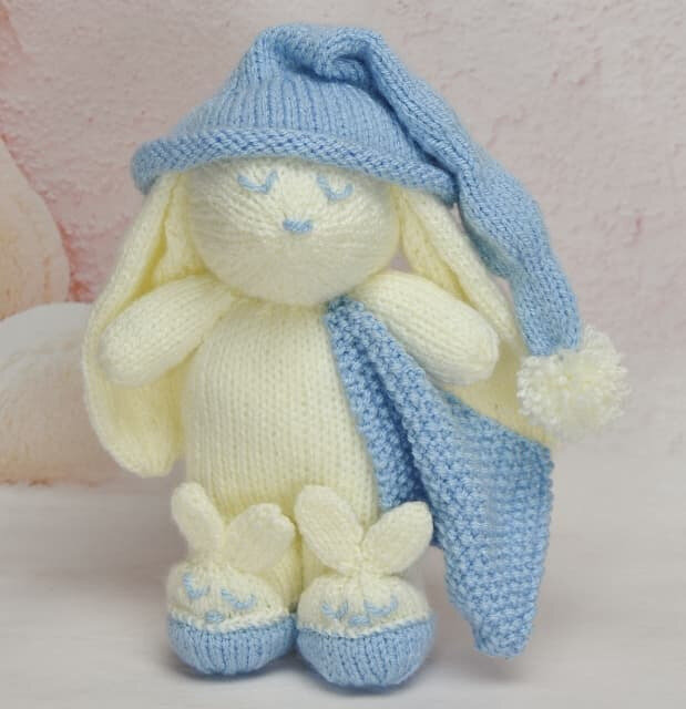 Traduction Winkie the Bunny - Knitting by Post