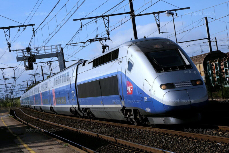 les-tgv-changent-de-nom-photo-d-illustration-julio-pelaez-1508313090