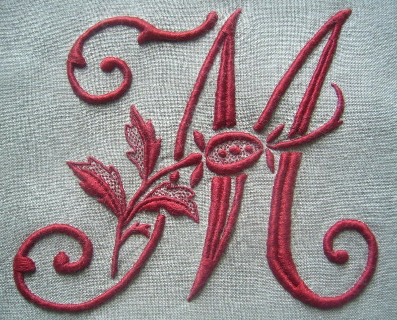 M à la rose, 15 cm de haut, coloris 498