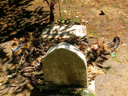 Concord_Sleepy_Hollow_Alcott_s_Grave