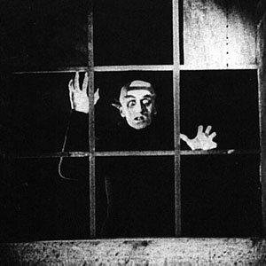 Nosferatu attend sa proie, Ellen