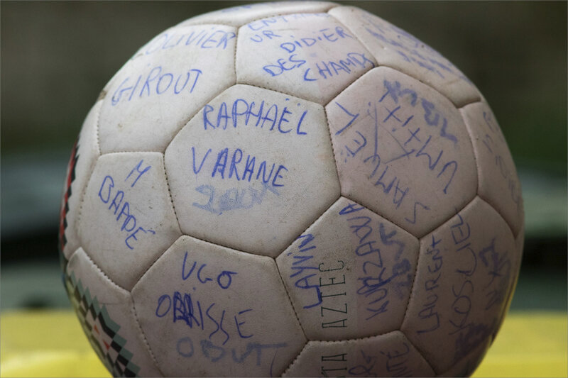Ballon foot signatures coupe du monde 080220 ym 1