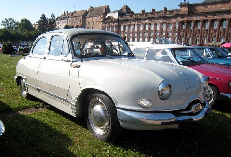 Panhard dyna Z1 berline luxe spéciale de 1956 01
