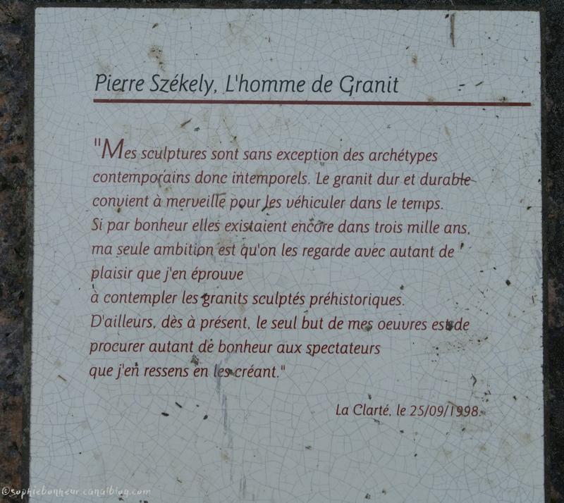 Parc sculptures homme granit