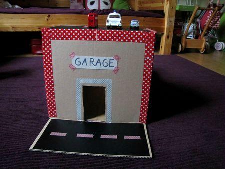 Garage Et Caserne De Pompiers En Carton Garage Und Feuerwache Aus